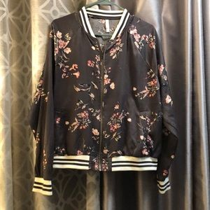 Xhilaration floral jacket